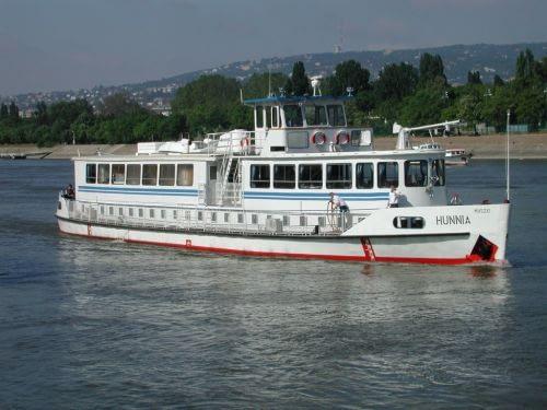 Hunnia hajó